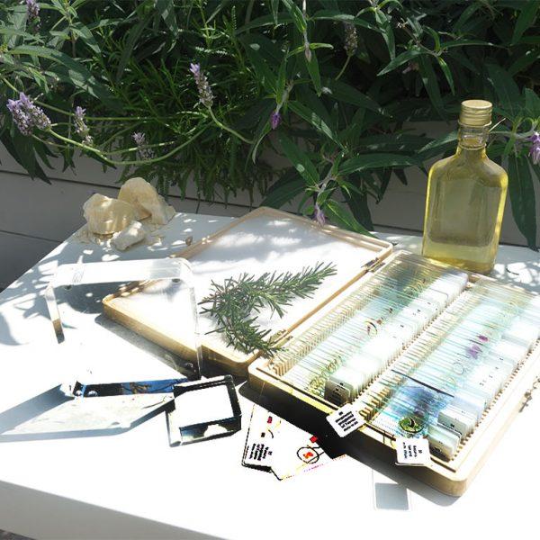בקבוק סלייד וקובית זכוכית